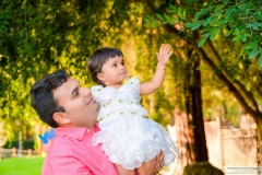 Shanaya playing with dad top baby pictures Yash DOshi Photography